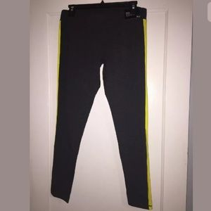 New York and Company Women's The Yoga Pants Size M